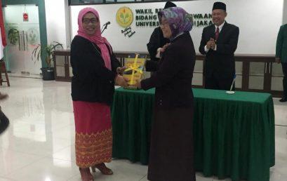 Serah Terima Jabatan Dari Prof.Dr.Ilza Mayuni,MA ke Prof.Dr.Nadiroh,M.Pd